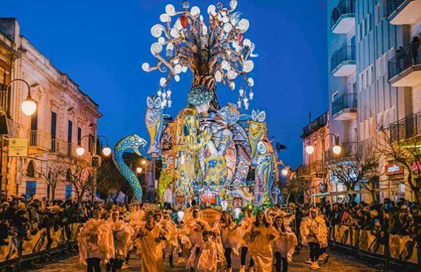 CarnevalePutignano2019-696x388