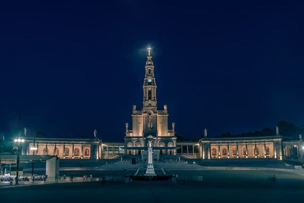 fatima-sanctuary-portugal-christ